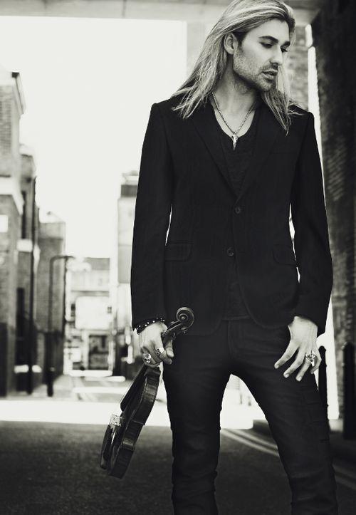 david garrett- Ok, I admit, I have an attraction towards men with long hair.... David is beautiful