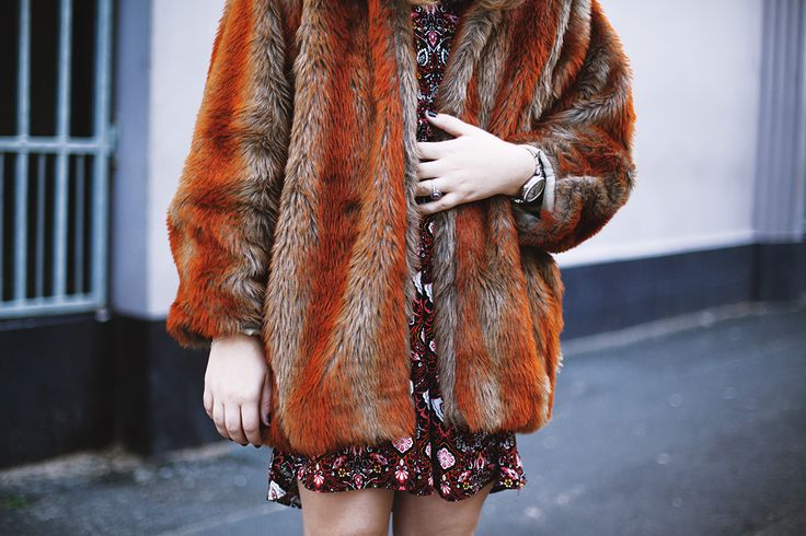 Faux fur Raya Rossi red warm 90s retro style cool