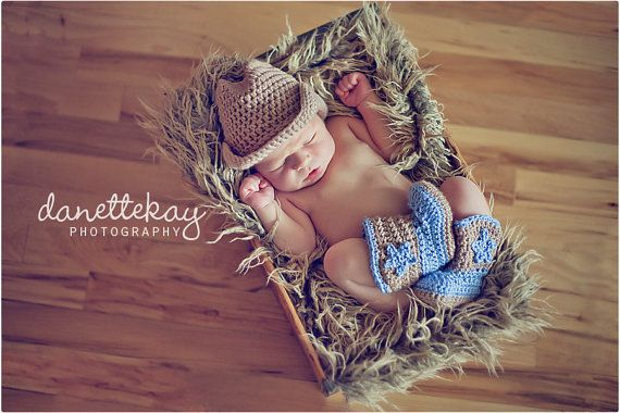 Newborn Cowboy hat and Boot set Photography Prop by danettekay, $38.00