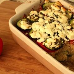 Quinoa-groenteschotel met geitenkaas
