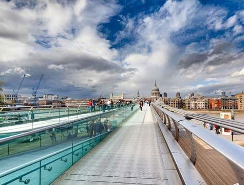 Tra le capitali più vive e sempre in movimento, Londra è una delle città del design, dove nascono sempre nuove tendenze e novità. http://www.marcopolo.tv/regno-unito/londra-always-trendy