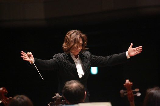 Tomomi Nishimoto, conductor. Epic!
