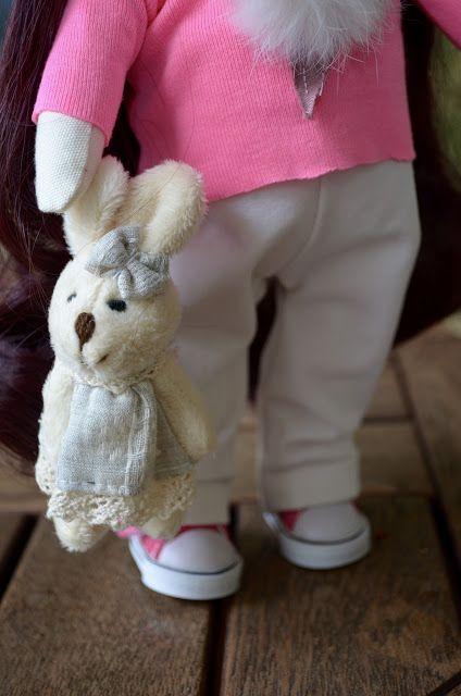 Elena Take hobby: Девочка в свитшоте с мороженым (повтор)