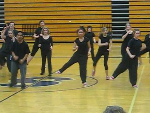 Stomp Routine 2012! Greenwood Bulldogs dance/cheer ...