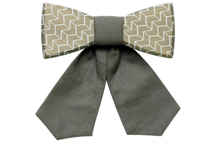 The Via is subtle yet distinct. Even though this wooden bow tie was created in a small town, it has a touch of worldliness. This minimalistic accessory makes a strong statement. It's designed for ambitious women who are successful and yet still modest. The Via complements your outfit and highlights your personality.