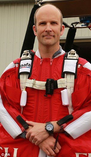 Fraser Corsan breaks world speed record with wingsuit dive