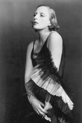 Tamara de Lempicka, 1931.    Photo by d'Ora.