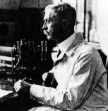 photo of Karl Landsteiner working in his laboratory
