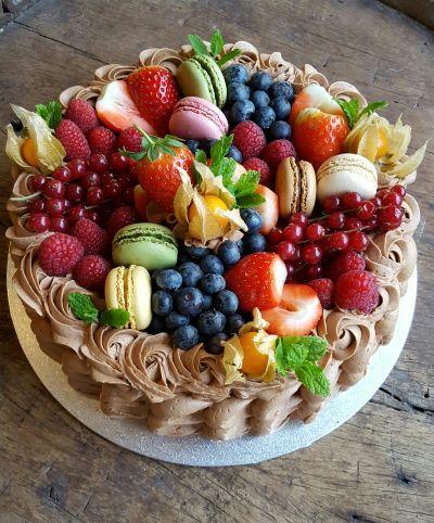 Med ønske om å gi inspirasjon og glede med kake -og matoppskrifter som alle klarer å lage.