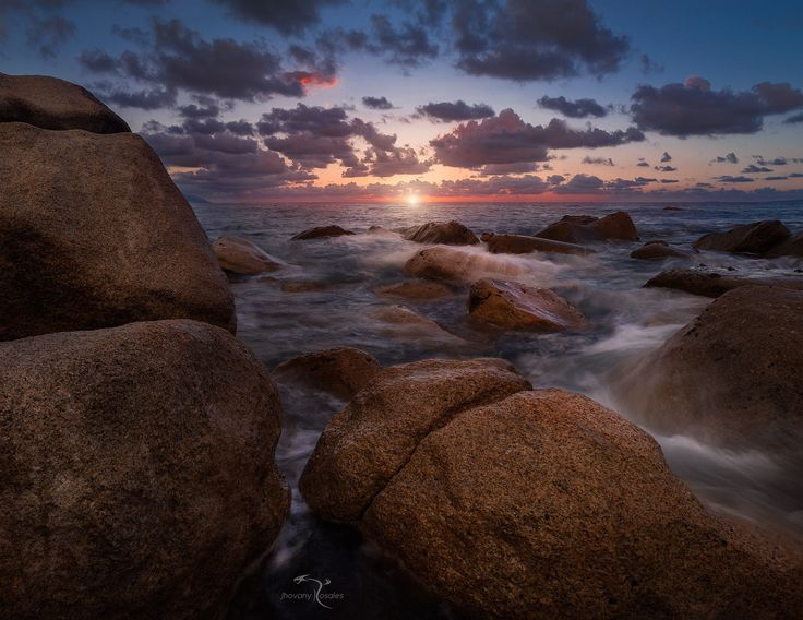 into the rocks by Jhovany Rosales on 500px