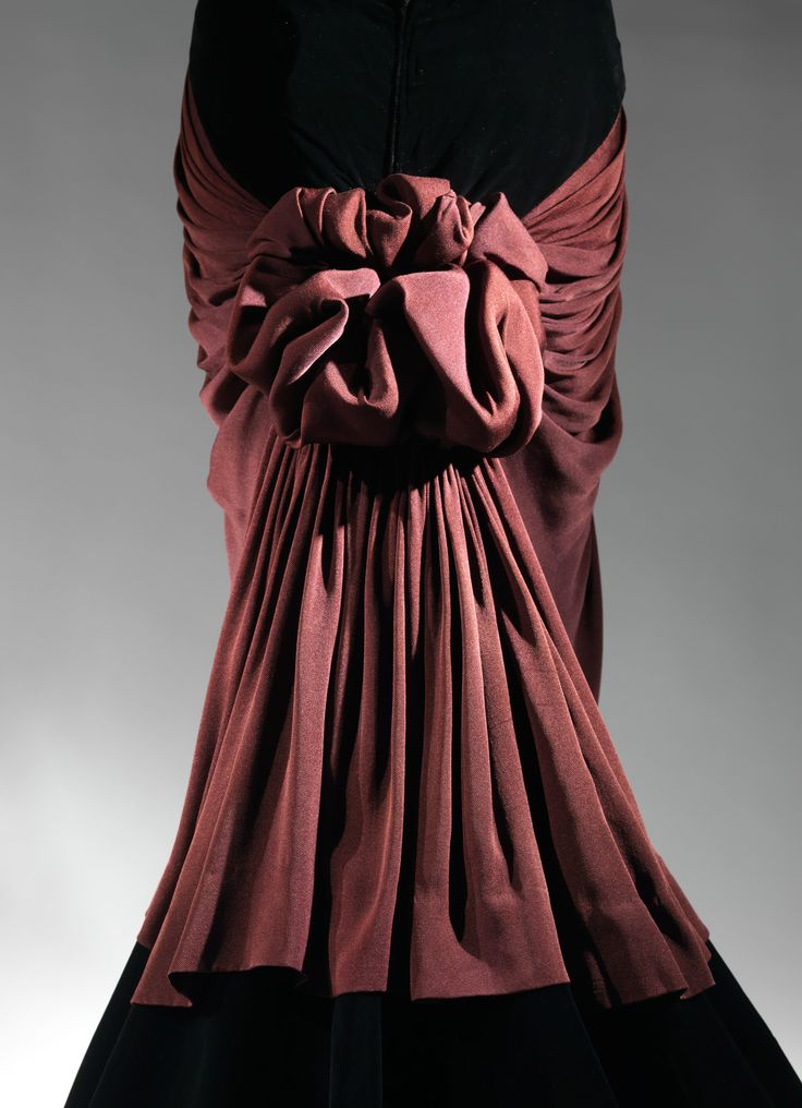 Charles James (American, born Great Britain, 1906–1978). Bustle (detail), 1947. The Metropolitan Museum of Art, New York. Brooklyn Museum Costume Collection at The Metropolitan Museum of Art, Gift of the Brooklyn Museum, 2009; Gift of Millicent Huttleston Rogers, 1949 (2009.300.751) #CharlesJames
