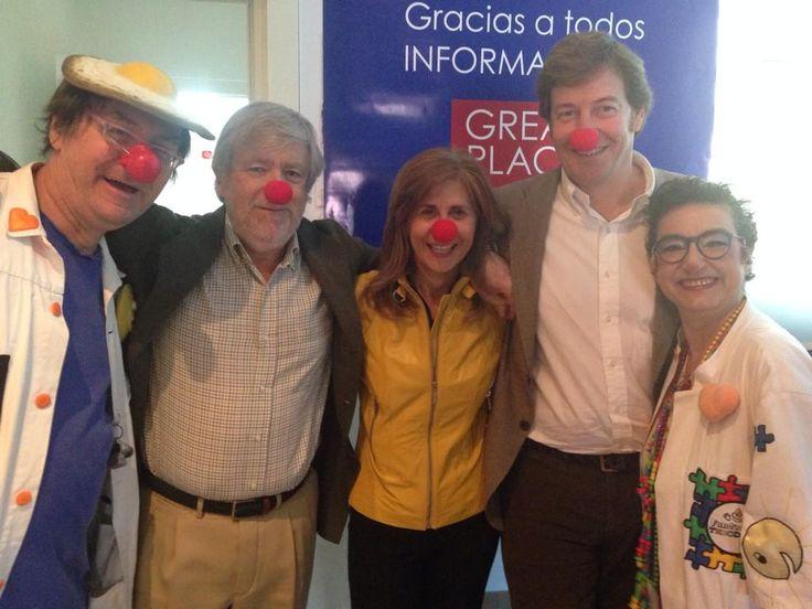 Visita sorpresa de los doctores sonrisa de la Fundación Theodora a las oficinas de INFORMA D&B!