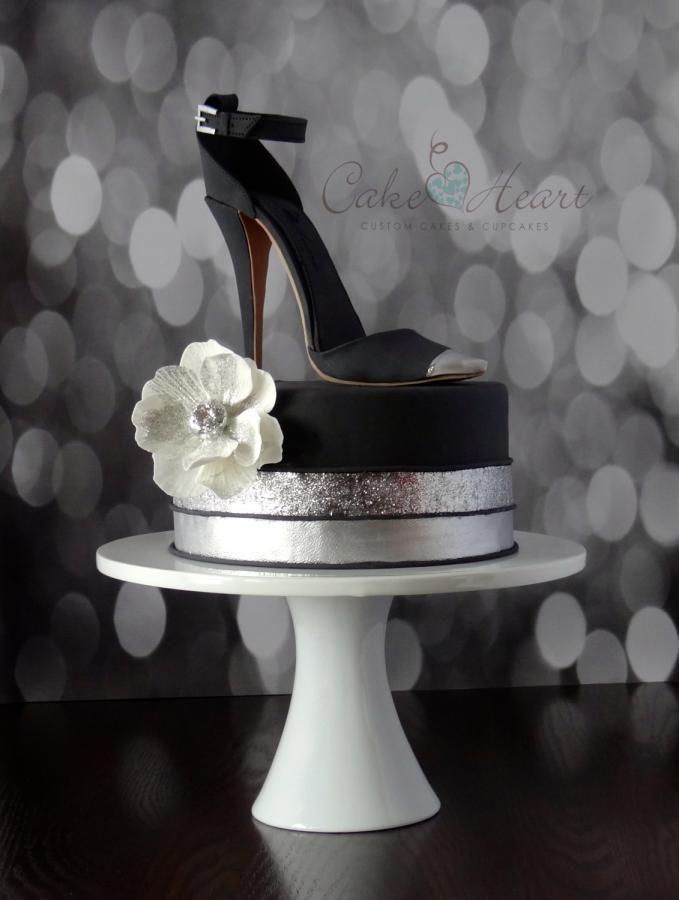 'little black shoe' Cake Master Magazine ~Issue 21~ June 2014 Cake Heart