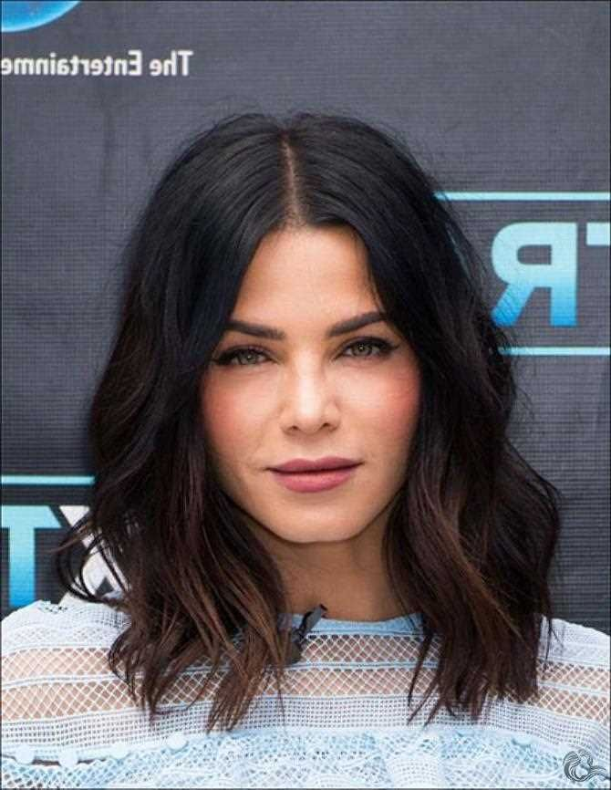 In Diesem Artikel Finden Sie Viele Coole Bilder Und Ideen Dafur Hair Coole Bob Hairstyles For Round Faces Medium Hair Styles For Women Weave Hairstyles