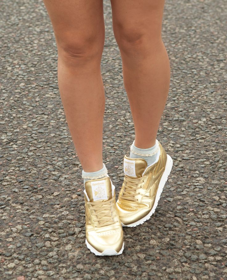 reebok classic gold trainers