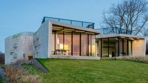 W.I.N.D. House Features Home Automation System  in North Holland, The Netherlands Look at the sustainable feature of this unique modern home.       Do you think that sustainability is one of the most important elements to consider in building your own house? What do you think are...
