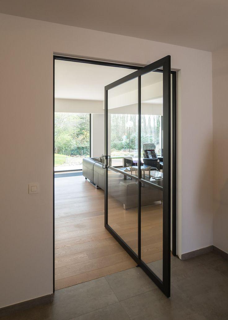 50 best images about portes pivotantes portes int rieures sur pivot on pint - Porte vitree style atelier ...