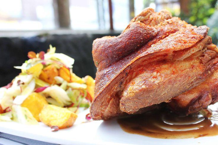 Que tal nuestro Codillo de Cerdo para hoy? Coccion Lenta en Daniel! Estofamos los ingredientes de 4 a 12 horas para obtener texturas suaves y sabores intensos... www.daniel.com.co/menu
