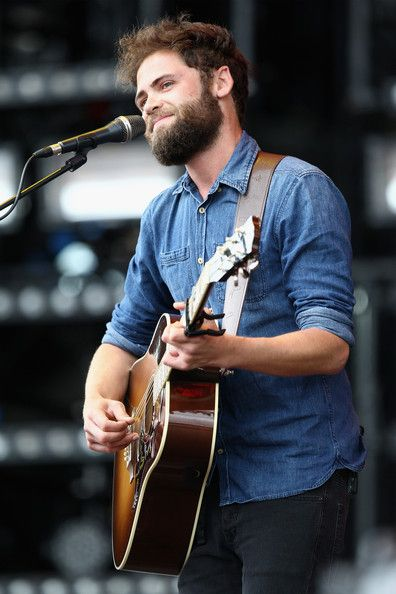 Michael David Rosenberg Photos Photos - Passenger performs at The Isle of Wight Festival at Seaclose Park on June 15, 2014 in Newport, Isle of Wight. - Day 3 - Isle Of Wight Festival 2014