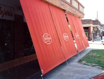 1000 images about cafe ideas on pinterest restaurant - Cortinas para exterior ...