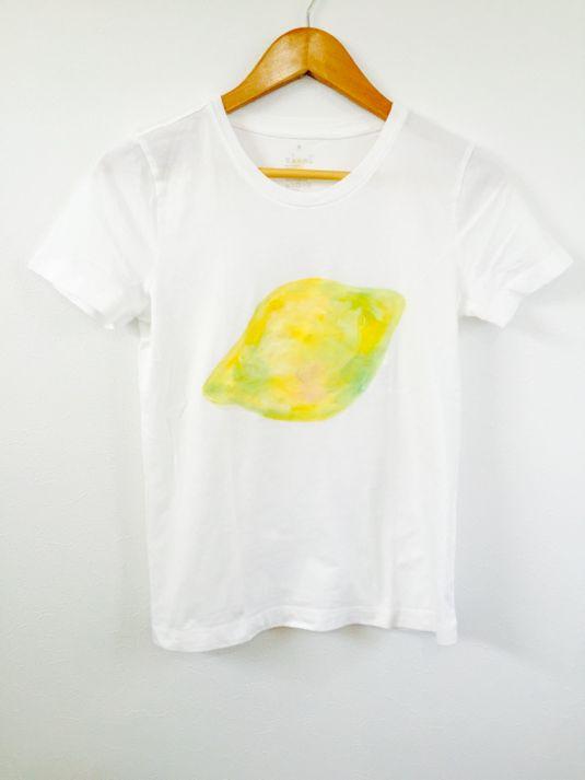 Hand-painted adult T-shirt lemon