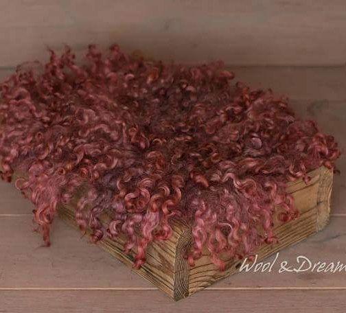 #rts #photoprops #handmade #handcraft #newbornphotpgraphy #newborn #photography #newbornphotoprop #newbornphotoprops #newbornprops #etsyshop #etsy #propshop #prop #woolanddreams #wool #mik #rts #woolblanket #Blankets #blanket #felted #feltedfur #curly #curlylayers #rust #autumn