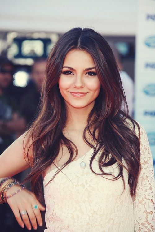 Victoria justice ❤️her hair