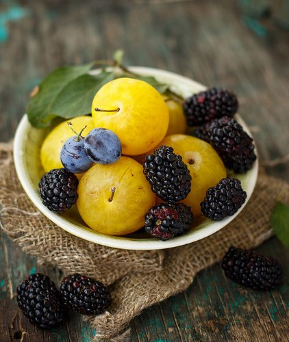 Yellow plums & blackberry