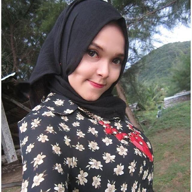 Cukup musim aja hujan hati dan wajah cerah dong @husnavioga #bbmme #bbmqrcode #jilbab #jilbaber #hijaber #jilboobs #hijaboobs #montok #cantik #imut #igo #hot #cute #wanita #gadis #hijabsexy #toge #hijabtoge #puting  #jilboobhot #hijabhot buat gadis2 yang ingin di share silahkan dm foto kalian