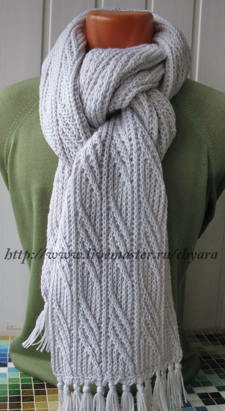 Светло-серый почти белый шарф Иней в ноябре - настоящий тёплый аксессуар унисекс - купить. http://www.livemaster.ru/item/8320989-aksessuary-svetlo-seryj-pochti-belyj-sharf