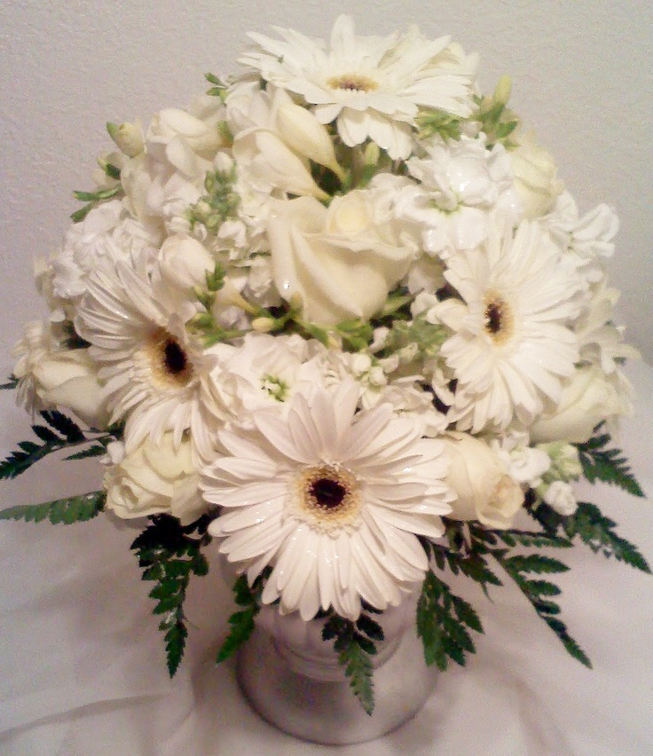 Fantasy Flowers & More ~ Gerbera Daisy Wedding centerpiece. I would like white Gerbera daisy/standard daisy bouquets for the bridesmaids