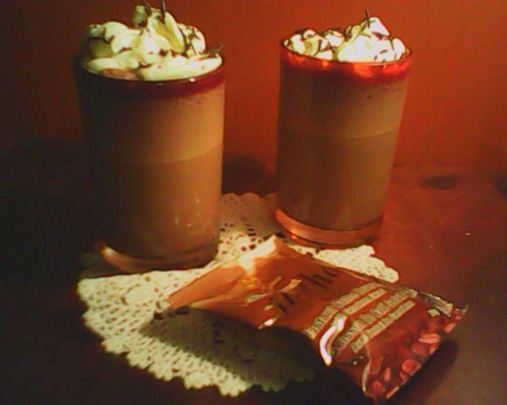 Mocha Frappe: Licuar los siguientes ingredientes * 1 sobre de café OG sabor Mocha * 1 taza de hielos * Leche de coco Para decorar crema batida y granillo de chocolate o coco tostado.