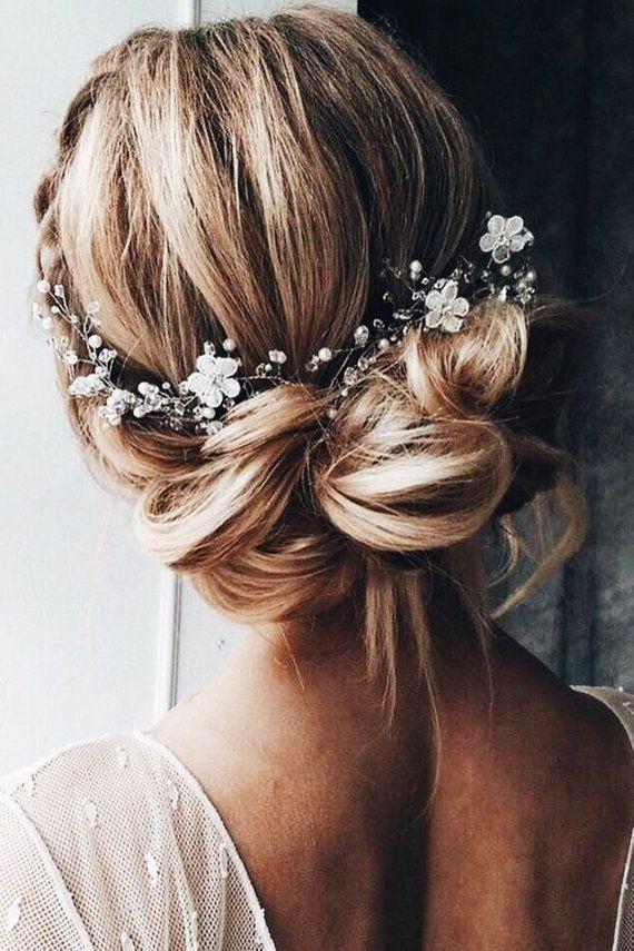 Feb 5, 2020 - Bridal hair vine Beautiful delicate flower Beach wedding Bridal hair accessories Tocado de novia Bridesmaid gift Floral hair piece wreath - #beach #beautiful #bridal #delicate #flower #wedding - #Hochzeitsfrisuren