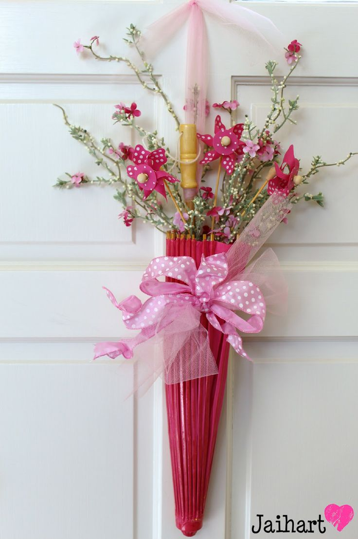 This would also make a great door decoration for april for Baby shower door decoration