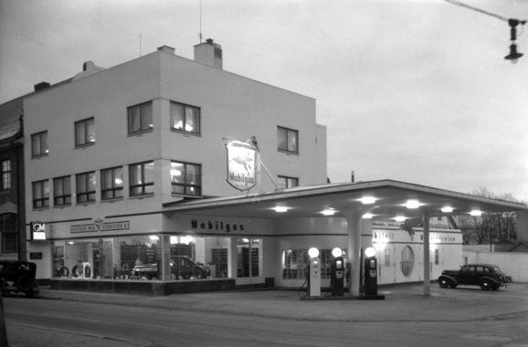 Arkitekt Rolf Prag:  Oustad Mekanisk Verksted 1937, Hamar