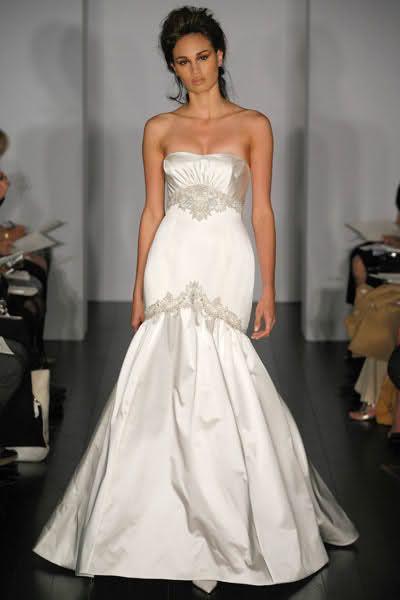 Wedding trumpet gowns trumpet style wedding dresses for Trumpet skirt wedding dress