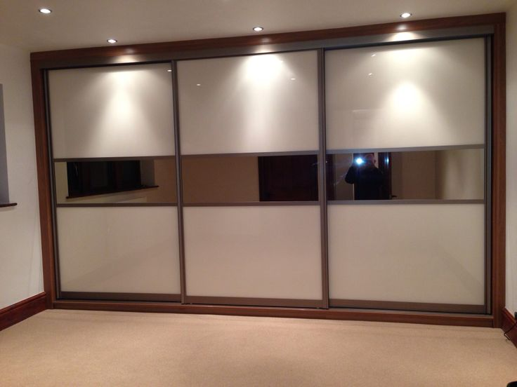 Floor to ceiling fitted wardrobes @ www.coatesinteriors.co.uk