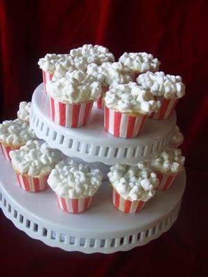 Popcorn-looking cupcakes!