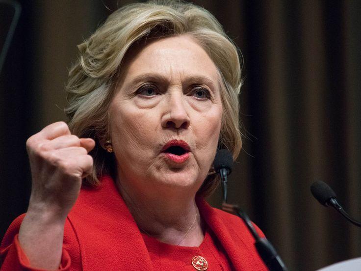 Wenn man an Hillary Clinton denkt, fragt man sich unweigerlich: Wie verkraftet sie das alles? Ihre Eheprobleme wurden zur Staatsaffäre, ihre Niederlage gegen Donald Trump kam für viele – auch für sie selbst – völlig unerwartet. Heute wird Clinton 70 – und hat einige Antworten...