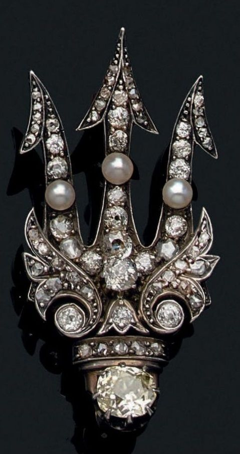 An antique diamond brooch, 19th century. Designed as a trident set with old-cut ...
