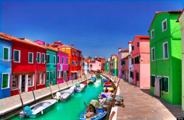 イタリア・ヴェネツィアの小さな島ブラーノ(Burano, Italy)