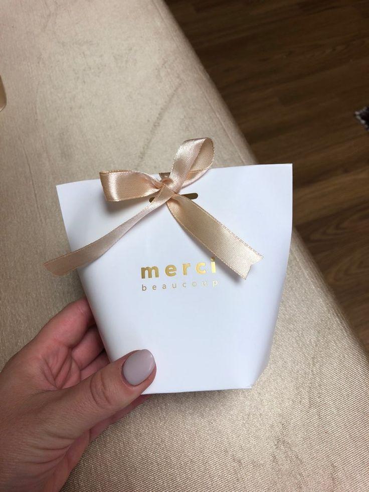 20 piezas bolsa de papel Kraft blanco negro bronceado francés «Merci» Gracias caja de regalo paquete boda fiesta Favor caramelo bolsas con cinta