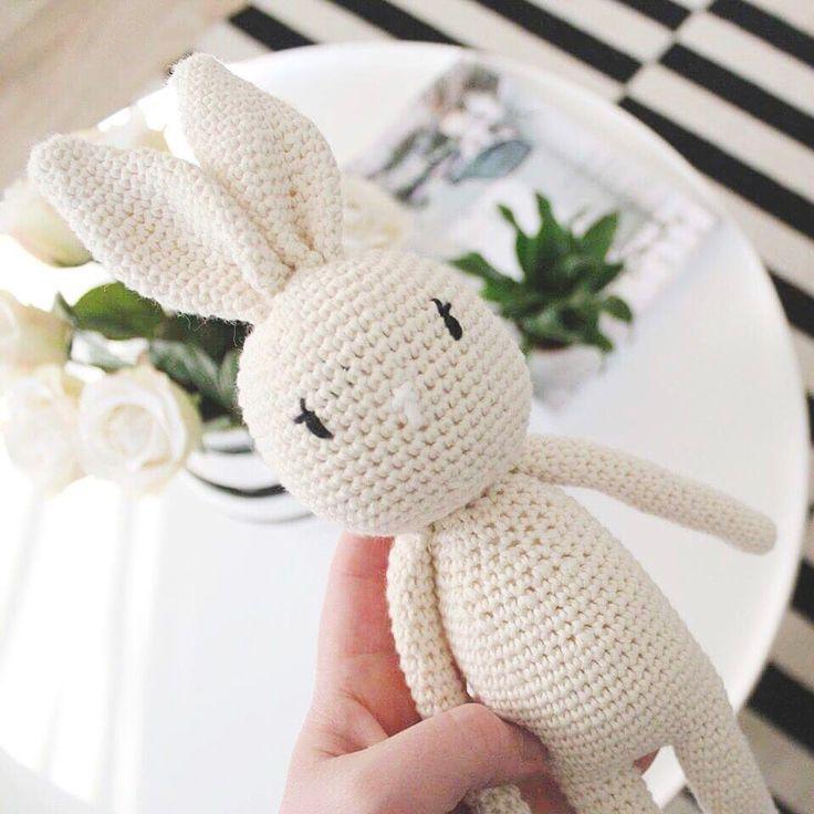 """96 Likes, 9 Comments - Lilja Huld Friðjónsdóttir (@liljahuld) on Instagram: """"Er komin með eitthvað hekl æði! Var að klára þetta krútt 🐰 #vibemai #crochet #hækle #hækletkanin…"""""""
