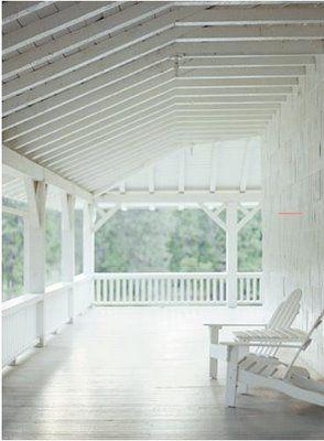 Veranda - Image Thayer Gowdy