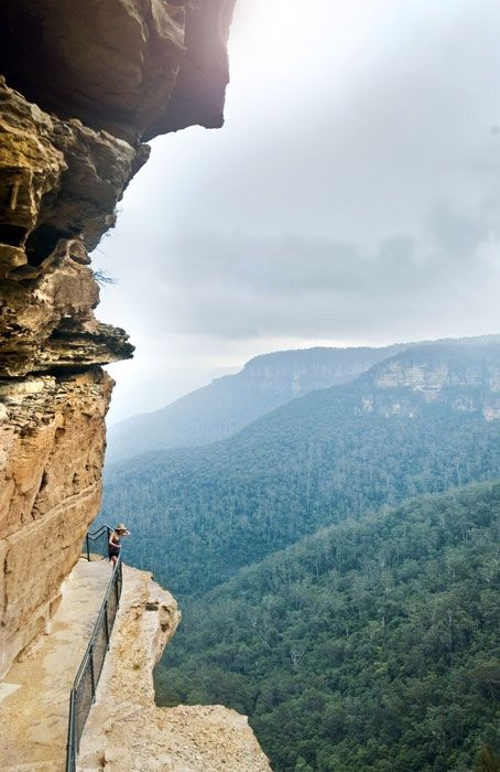 Blue Mountains National Park Australia. I've been to this park before but never saw this! What an amazing mountain and landscape :)