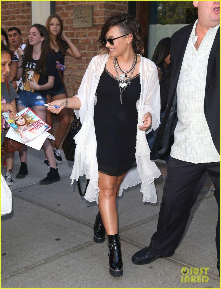 Demi Lovato Reveals Why She Unfollowed Selena Gomez: 'People Grow Apart'   demi lovato shuts down kylie kendall jenner feud rumors 02 - Phot...