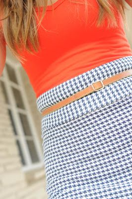 Great easy skirt! Also.. blog has a lot of great easy step by step sewing tutorials.