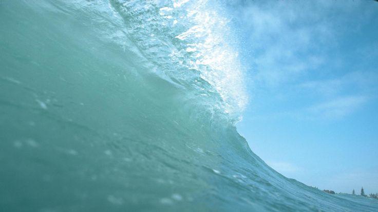True Wave - http://www.fullhdwpp.com/nature/extremenature/true-wave/