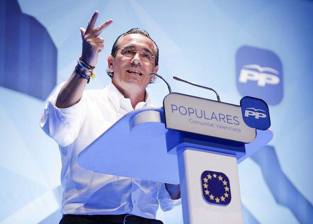 Durante mi intervención en el mitin central de campaña de las elecciones europeas con Alberto Fabra y Serafín Castellano