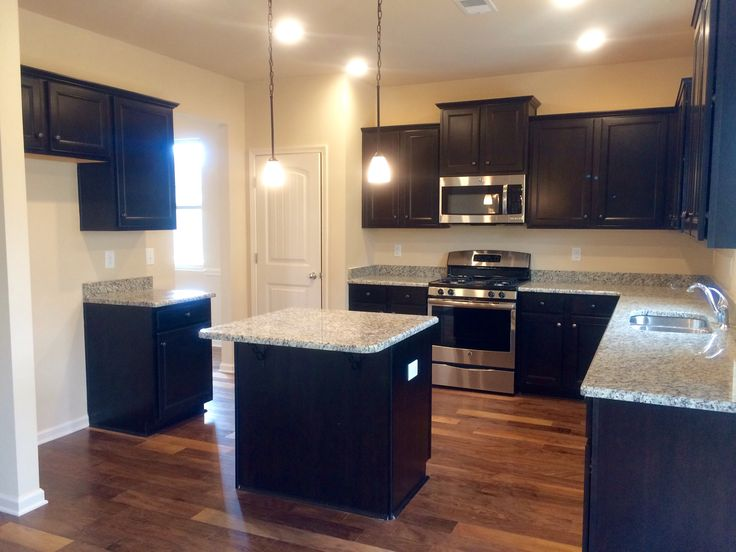 D R Horton 39 S Herrington Floor Plan With Modern Finishes Creates A Beautiful And Inviting Space